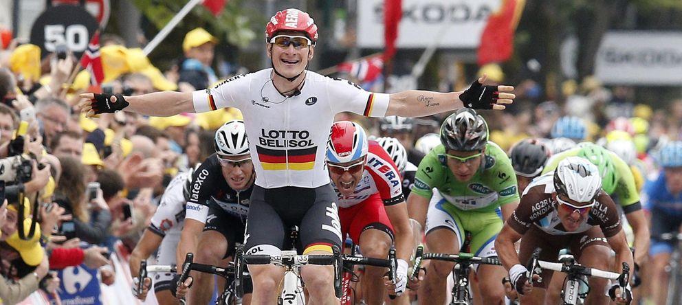 Foto: Greipel celebra su triunfo en la llegada a Reims (EFE).