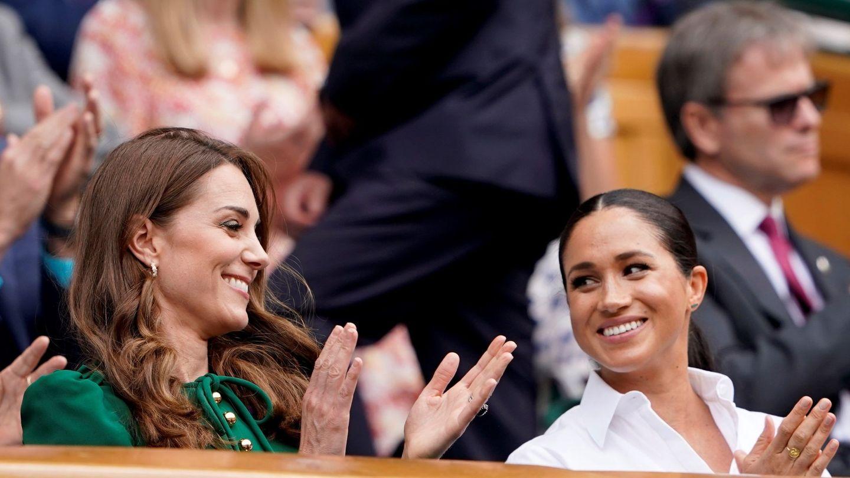 Kate Middleton y Meghan Markle, en la final de Wimbledon. (EFE)