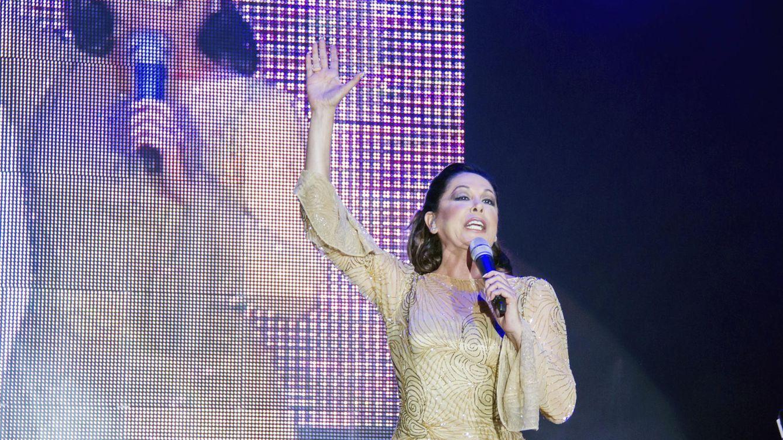 Foto: Isabel Pantoja en un concierto (Gtres)