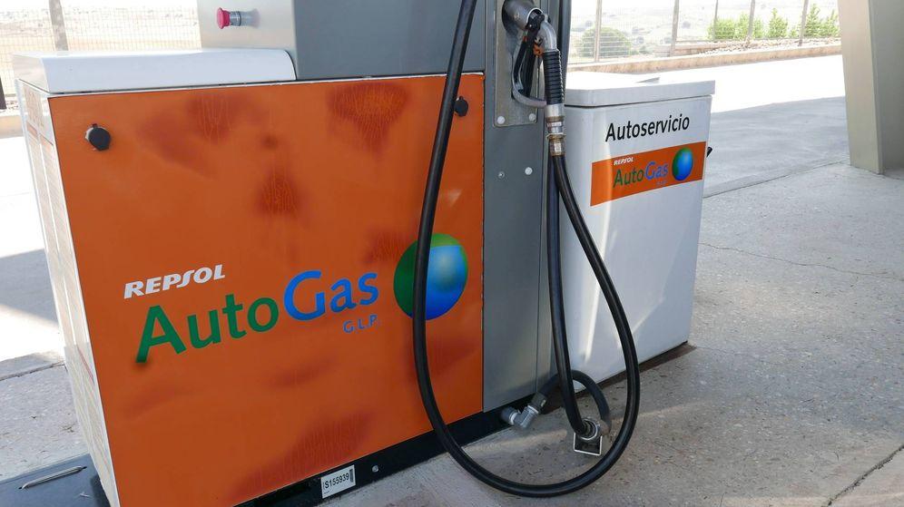 Foto: Surtidor de Autogas en una estación de servicio de Repsol.