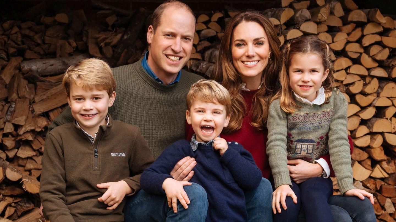 Los Cambridge y sus hijos en la felicitación navideña de este año 2020. (EFE)