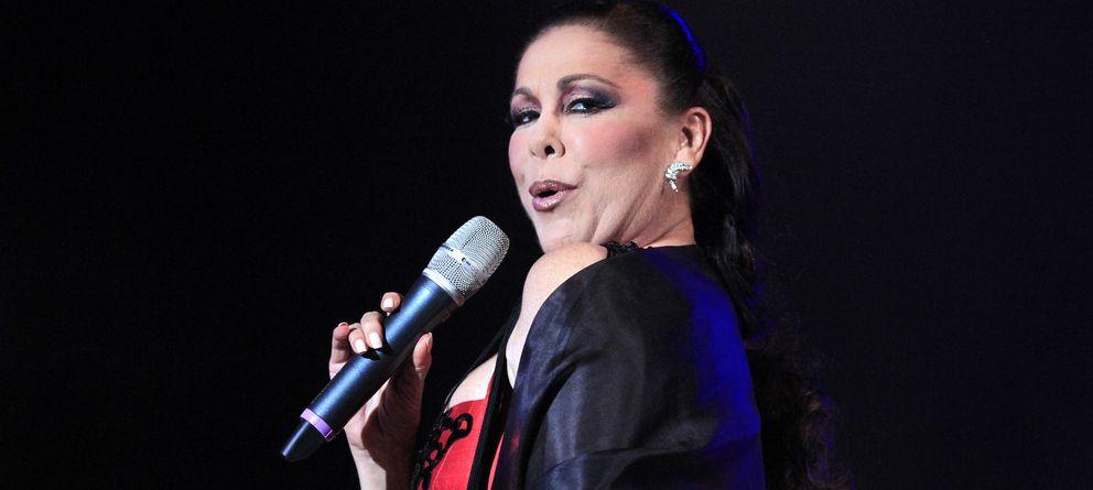 Foto: Isabel Pantoja durante una actuación en Valencia (Gtres)