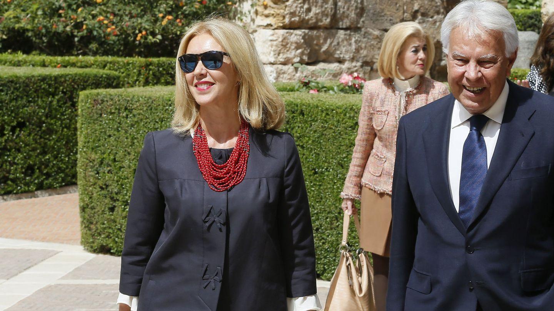 Felipe González con su actual esposa, Mar García Vaquero. (EFE)