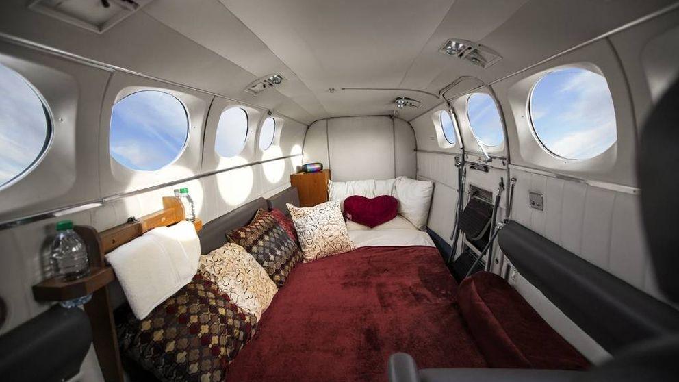 Vuela con nosotros y haz el amor entre nubes: las aerolíneas más calientes