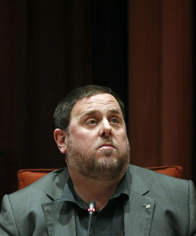 Foto: Oriol Junqueras, en la comisión de Economía y Hacienda del Parlament. (EFE)
