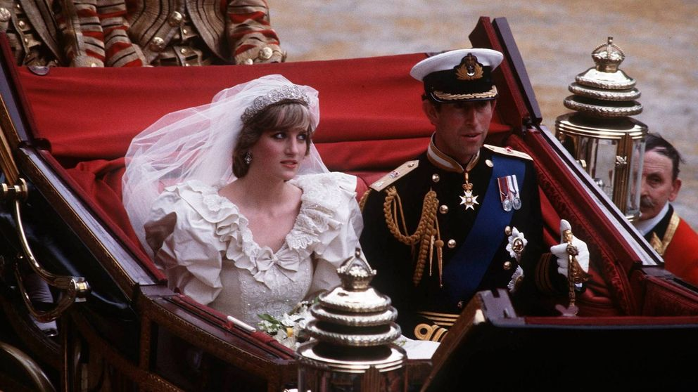 Diana de Gales hizo historia con su vestido de novia y te explicamos por qué