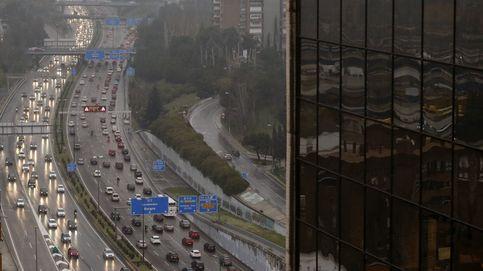 Caos en Madrid: atascos kilométricos por la lluvia y retrasos en el transporte