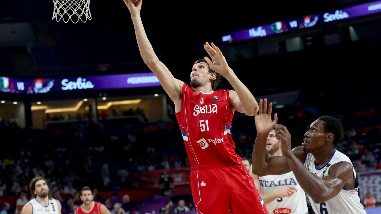 Boban Marjanovic acabó con 10 puntos y 7 rebotes. (EFE)