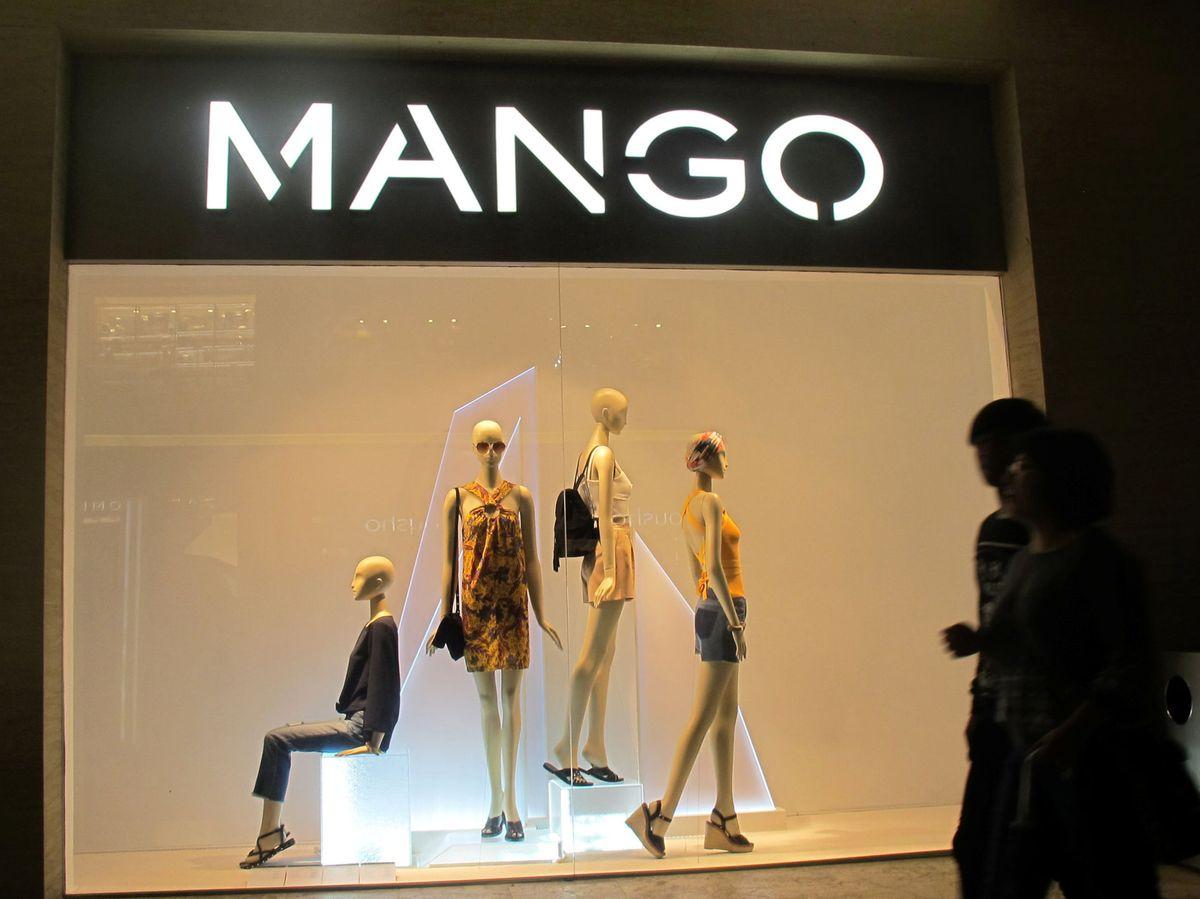 Foto: Escaparate de una tienda de Mango. (Reuters)