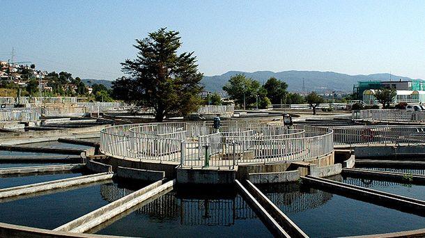 Foto: Estación de tratamiento de agua potable en Llobregat (www.atll.cat)