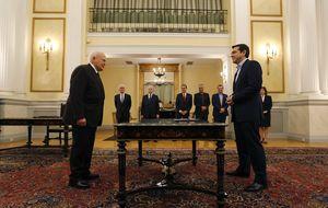 Tsipras jura como primer ministro tras pactar con la derecha nacionalista