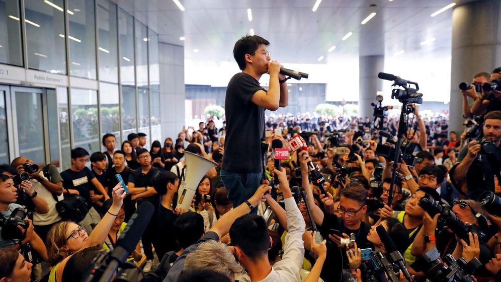 Foto: Joshua Wong durante una manifestación. (Reuters)