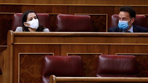 Los primeros apoyos a los PGE de Sánchez desvían la presión a Arrimadas