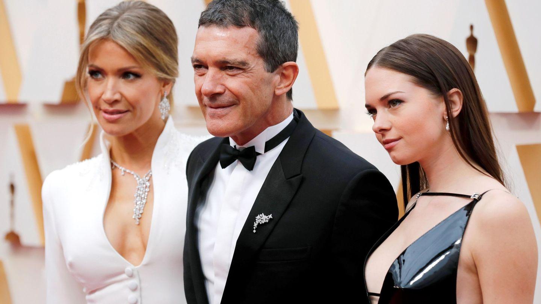 Nicole Kimpel, Antonio Banderas y Stella Banderas, en la pasada edición de los Oscar. (EFE)
