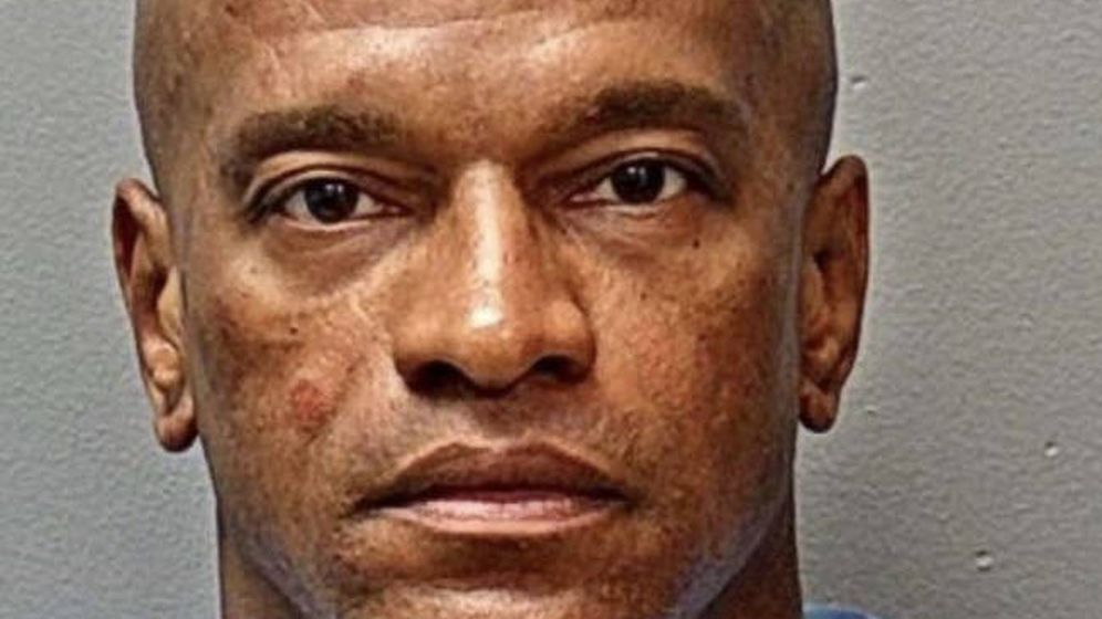 Foto: La policía detuvo a Michael Webb, de 51 años, y con antecedentes penales (Foto: Fort Worth Police Department)