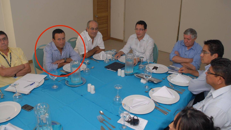 Diego García Arias, con un círculo. A su derecha, Edmundo Rodríguez Sobrino. Foto: En Blanco y Negro