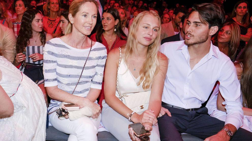 Miranda Rijnsburger reaparece de la mano de su hijo Miguel en la Madrid Fashion Week