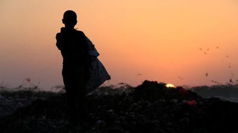 Este niño de Yemen mantiene a su familia con basura