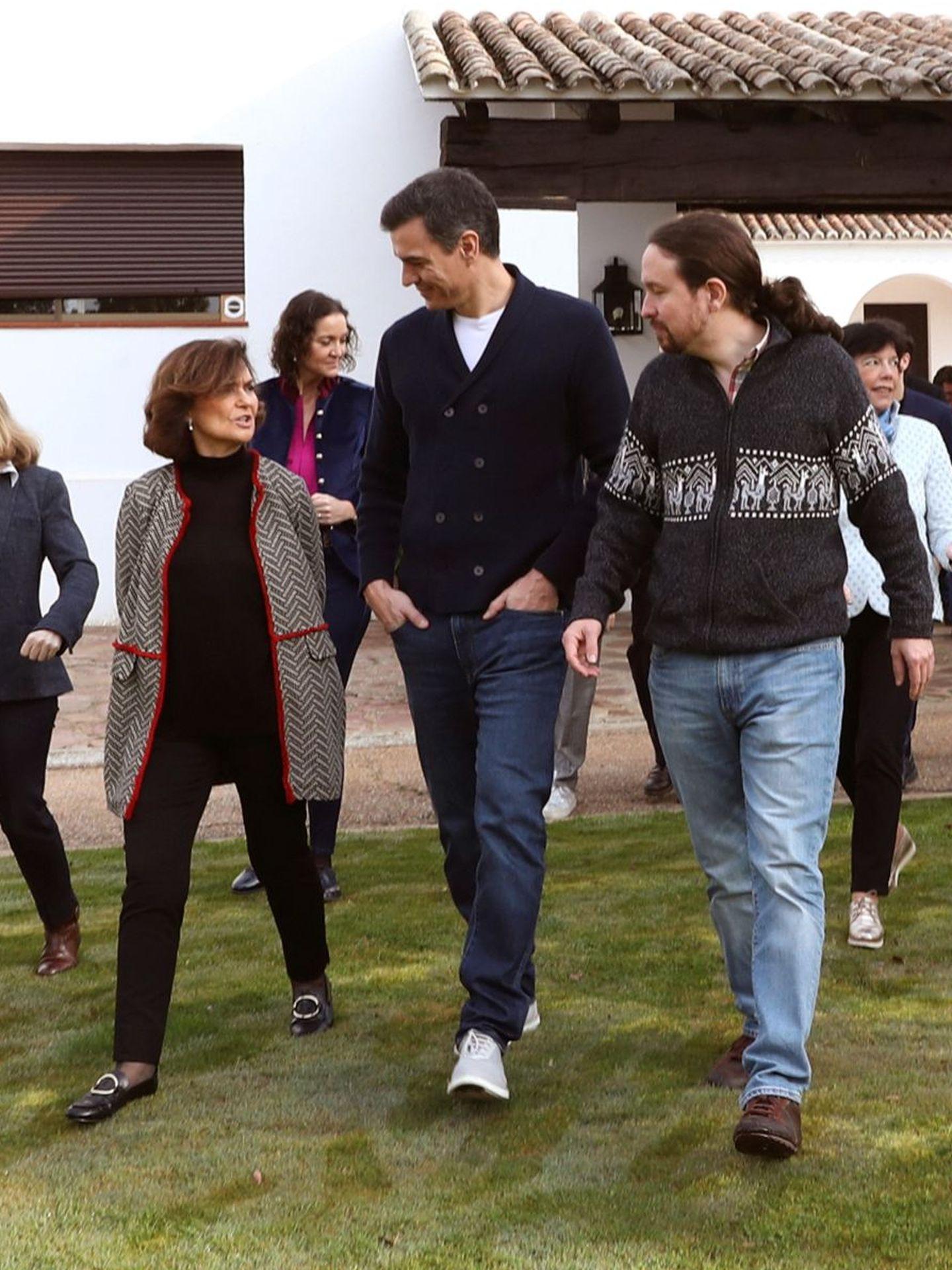 Carmen Calvo, con los famosos zapatos de Inditex. (EFE)