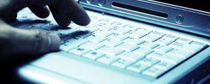 La mitad de internautas se conecta 8 horas y utiliza la Red para el trabajo