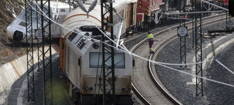 Foto: Tramo de la vía en el que se produjo el accidente del Alvia. (Reuters)