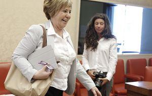 Celia Villalobos vuelve a los líos y veta a Soraya Rodríguez en el Congreso