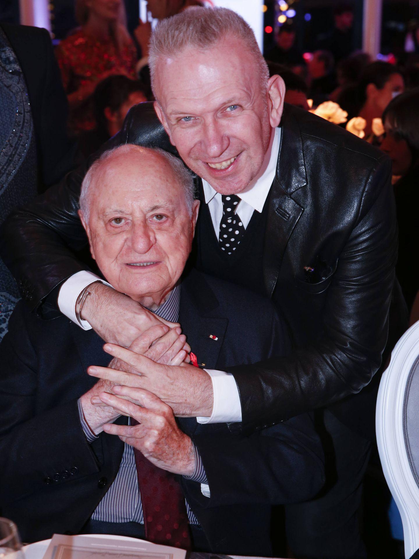 Pierre Bergé y Jean Paul Gaultier en una imagen de archivo. (Gtres)