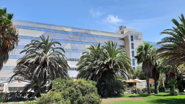 La burocracia y la ruina acechan al Sidi Saler, el hotel de lujo donde se dopaba Armstrong