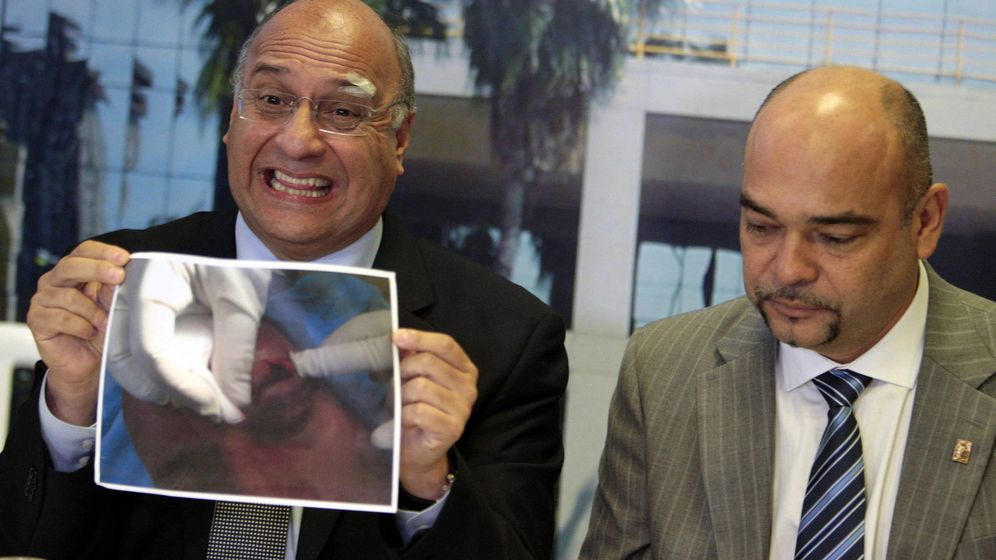 Foto: El opositor venezuelano Julio César Montoya, a la derecha. (Efe)