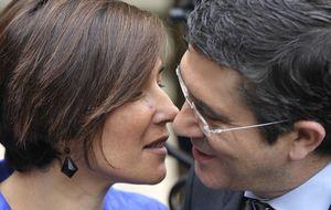 El poder en la sombra: el club de las esposas de los hombres más influyentes de España