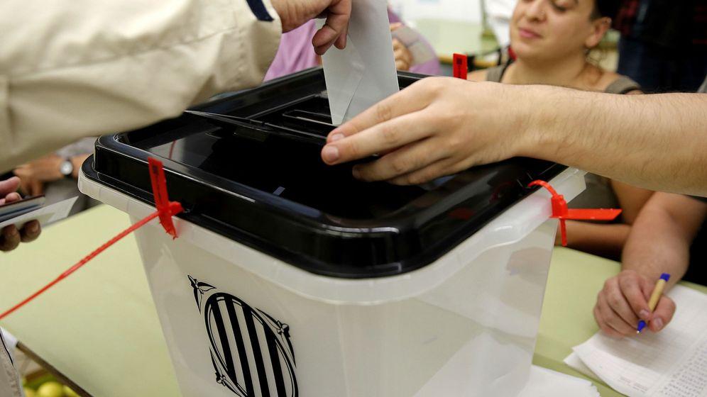 Foto: Votación en la jornada del 1-O. (EFE)