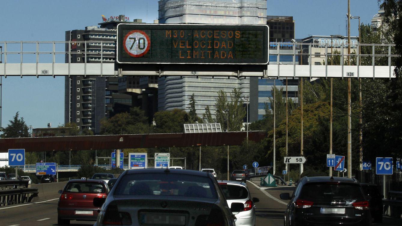 Madrid prohíbe aparcar en zona SER a los no residentes y mantiene los 70 km/h en M-30