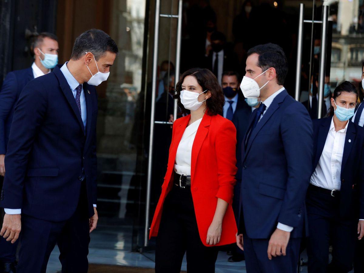 Foto: Pedro Sánchez, Isabel Díaz Ayuso e Ignacio Aguado. (EFE)