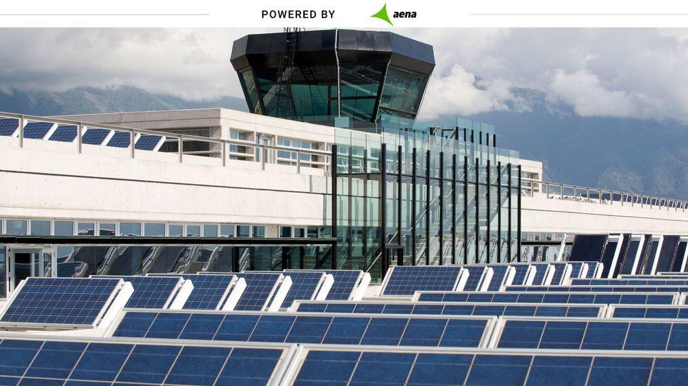 Foto: Placas solares en el Aeropuerto de La Palma.