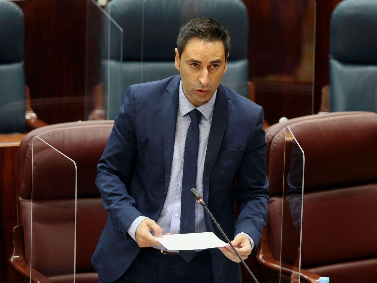 Foto: El consejero de Políticas Sociales, Javier Luengo. (EFE)