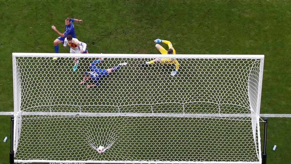 Foto: El gol marcado por Chiellini contra España. (Reuters)