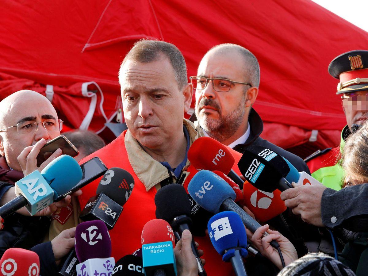 Foto: El conseller Miquel Buch (c-d) y Albert Ventosa (c-izq). (EFE)