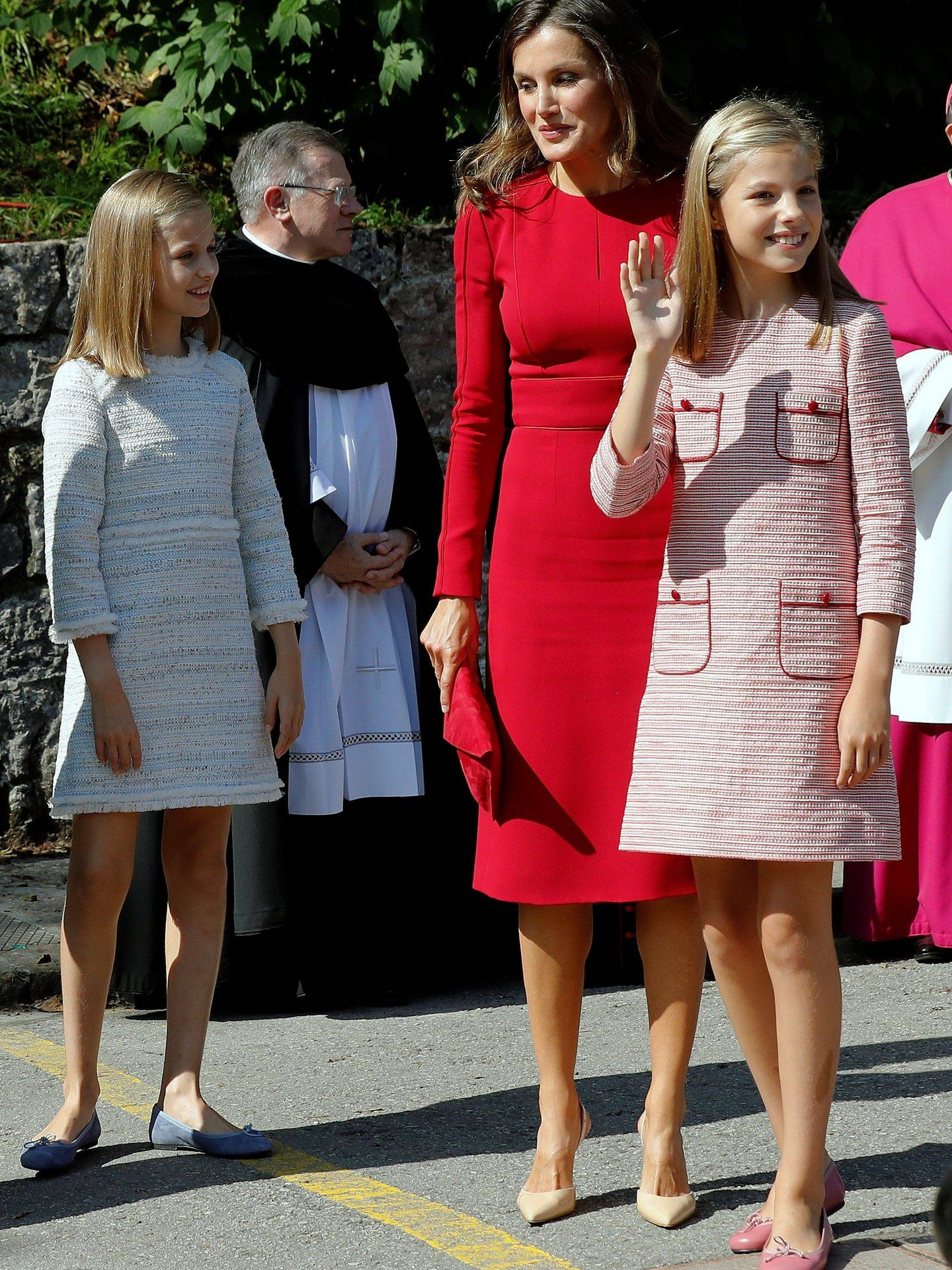 La reina Letizia, con sus hijas. (EFE)
