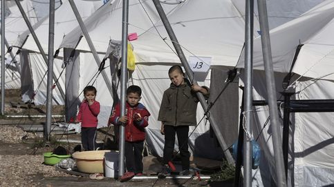 Miles de refugiados, atrapados en ola de frío y nieve