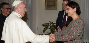 Post de Dimiten los portavoces del Papa, la española García Ovejero y el estadounidense Burke