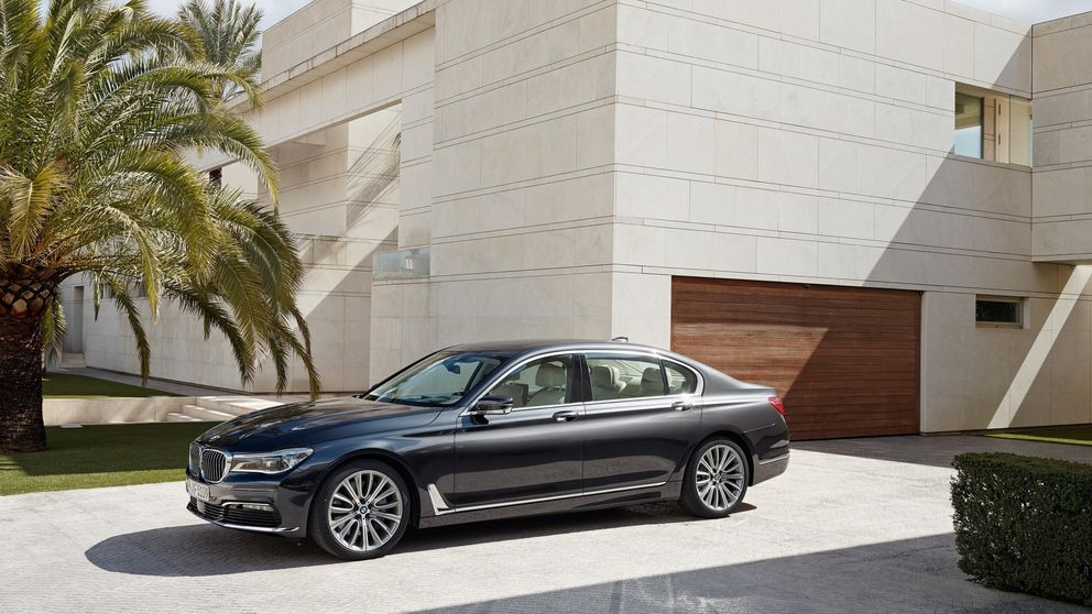 BMW Serie 7, el coche que aparca solo