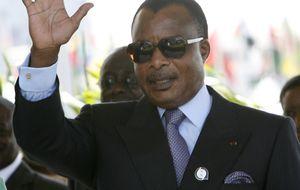 El presidente del Congo regala 10.000€ a un pueblo malagueño
