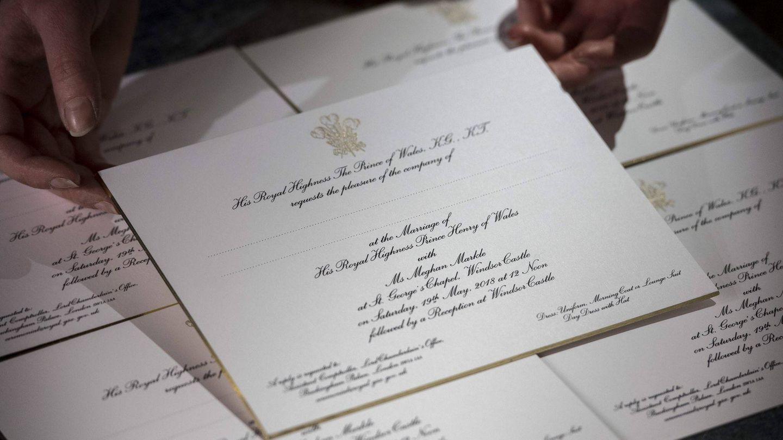 Imagen de las invitaciones de boda del príncipe Harry y Meghan Markle. (Foto: Twitter de Kensington Palace)