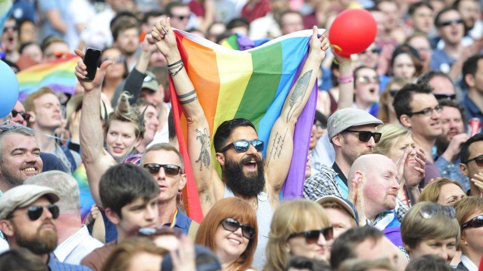 Foto: Irlandeses celebran en Dublín la aprobación del matrimonio gay (Efe)