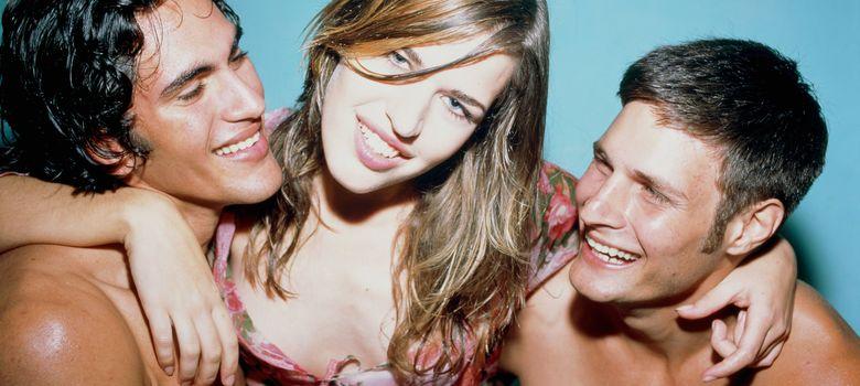 Foto: El sexo en grupo es una de las fantasías más frecuentes de la mujer contemporánea. (Corbis)
