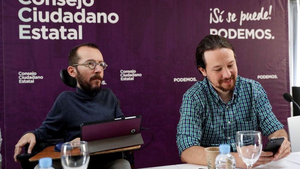 Foto: El líder de Podemos, Pablo Iglesias, y Pablo Echenique, secretario de acción de Gobierno de Podemos, durante el Consejo Ciudadano Estatal del partido. (EFE)