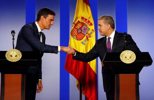 Foto: Pedro Sánchez, con el presidente colombiano, Iván Duque, tras su reunión en la Casa de Nariño de Bogotá. (Reuters)