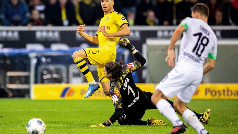 Achraf marca un gol en un partido de la Champions. (Efe)