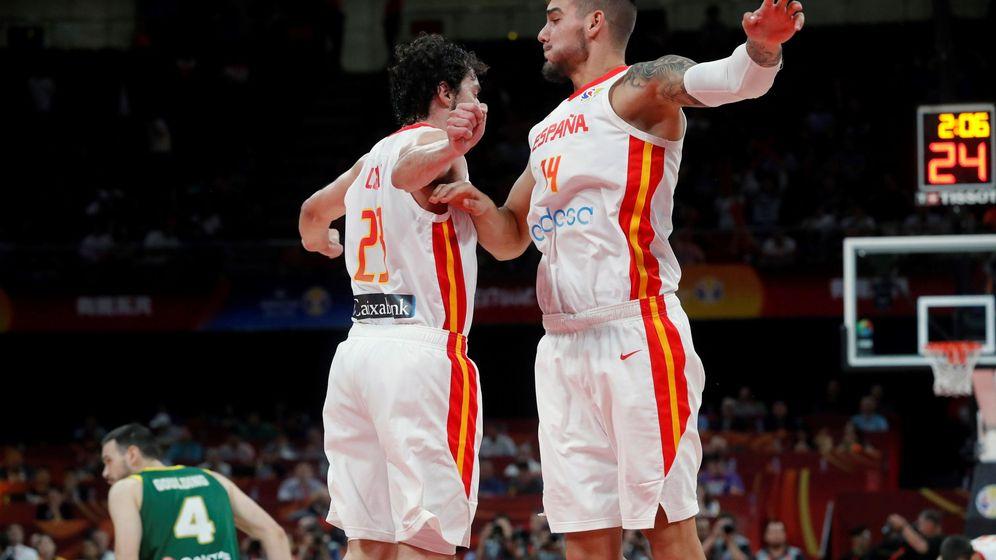 Foto: Sergio Llull y Willy Hernangómez celebran una canasta durante el España-Australia de semifinales del Mundial. (EFE)