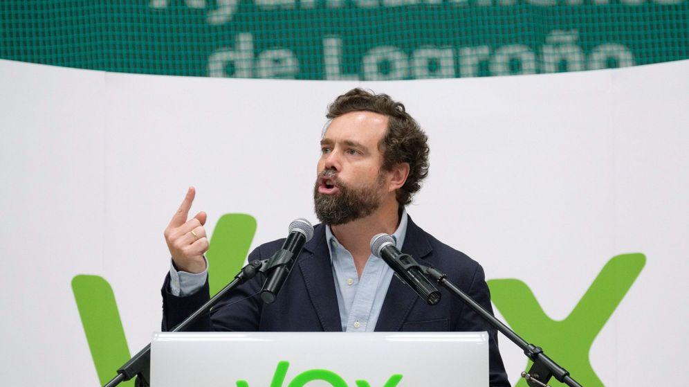 Foto: Iván Espinosa de los Monteros en un acto electoral de vox en Logroño (Efe)